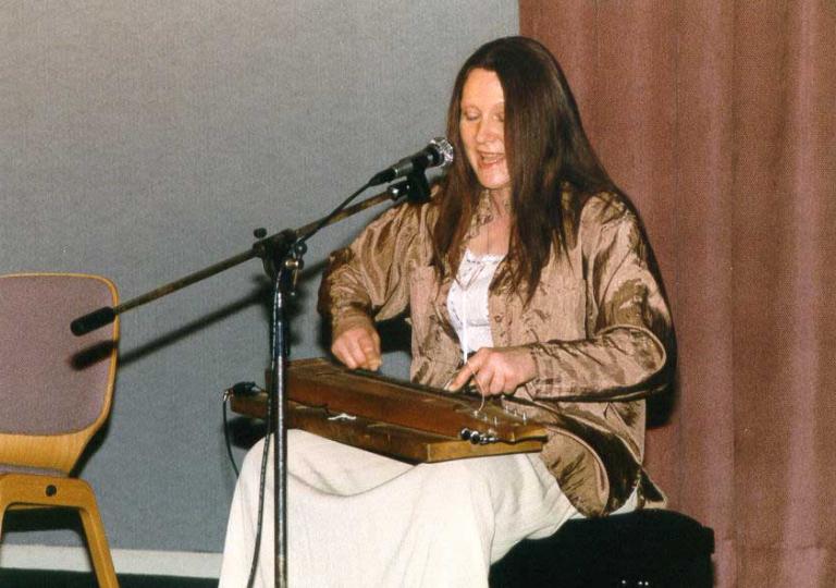 1999_03_06_05_Brigitte Schall (Les Chatelet)